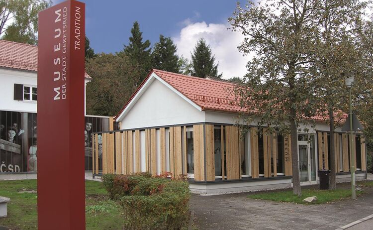 Geretsried Stadt Museum Aussen Copy