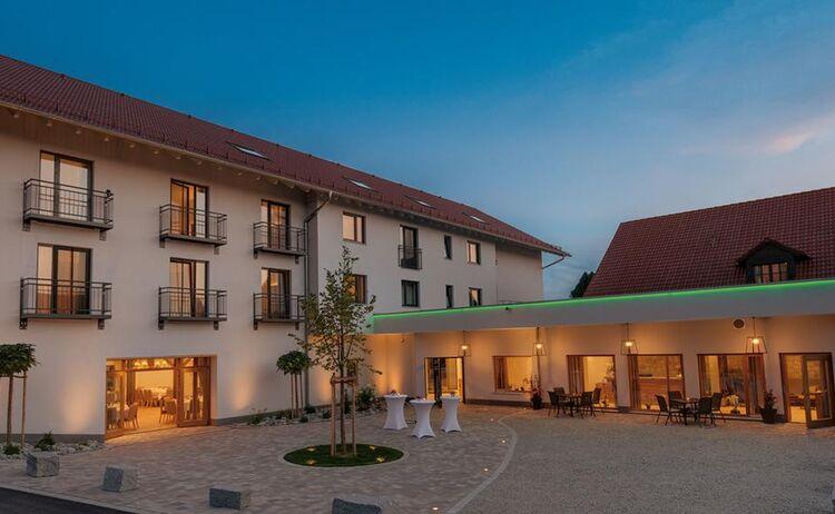 Hotel Und Gasthaus Forster Am See In Eching Bei Landshut 1
