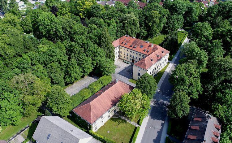 Schloss Ismaning 1 Copy
