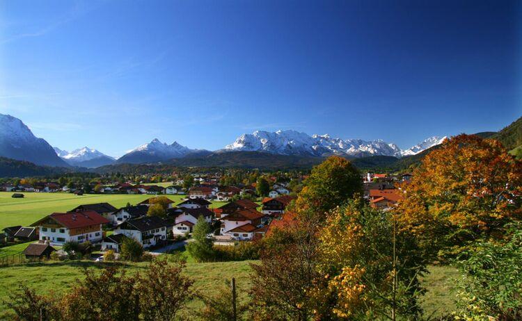 Wallgau Ortsansicht Herbst1 3916 1 Web